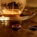 右手薬指に指輪をすると恋愛運がUPする?指輪とはめる指のアレコレ