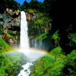 マイナスイオンに癒されよう!滝のパワーで運気をUP!