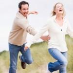 女性は愛される方が幸せ!男性がつい追いかけたくなる女性の6つの特徴!